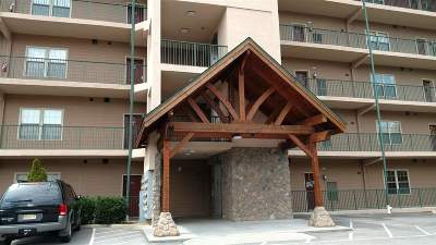 Pigeon Forge Condo/Townhouse For Sale: 410 Big Bear Way