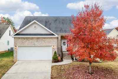 Single Family Home Sold: 3097 Pin Oaks Circle NE