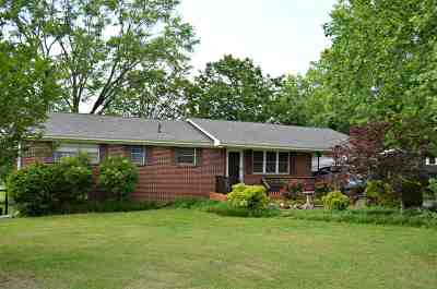 Englewood Single Family Home For Sale: 217 Highland Drive