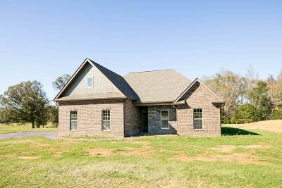 Englewood Single Family Home Contingent: 15 Deer Path Road #492 Coun