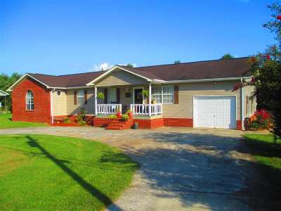 Benton Single Family Home For Sale: 302 Circle R Drive