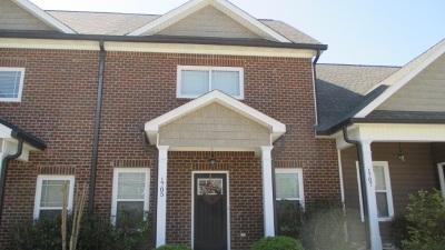 Stonebriar Condo/Townhouse For Sale: 1705 NEw Castle Drive NE
