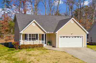 Single Family Home Sold: 1466 Woodland Cove Drive NE
