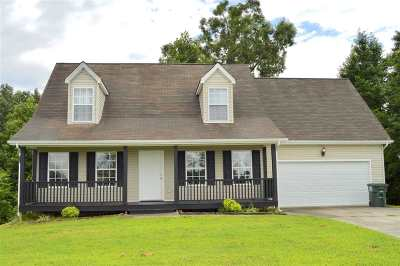 Farmingdale, Farmingdale Trails Single Family Home For Sale: 150 Woods Lake Way