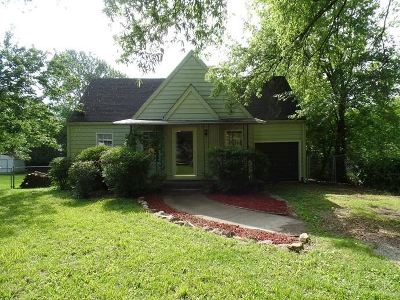 Single Family Home For Sale: 21 N Brooks Circle