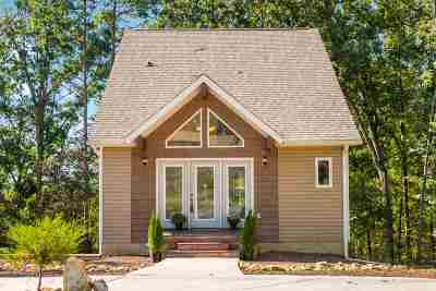 Cleveland Single Family Home For Sale: 3742 Forest Lane