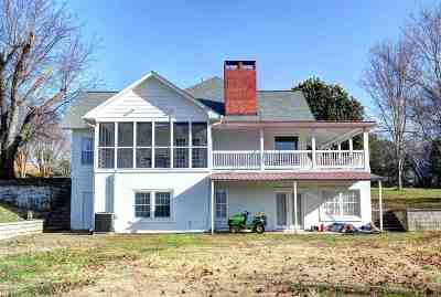 Dayton Single Family Home For Sale: 515 Evergreen Drive