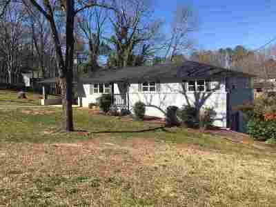Cleveland Single Family Home For Sale: 2430 Walnut Dr NW