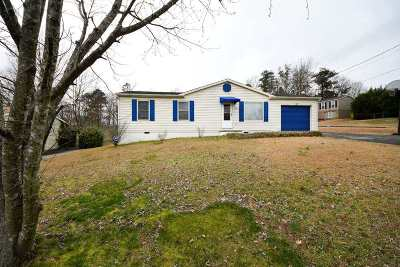 Cleveland Single Family Home For Sale: 2200 Spring Meadow Lane SE