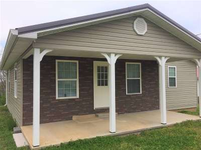 Etowah TN Single Family Home For Sale: $124,900