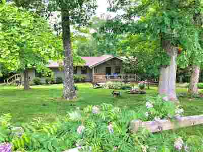 Single Family Home For Sale: 240 Travis Lane