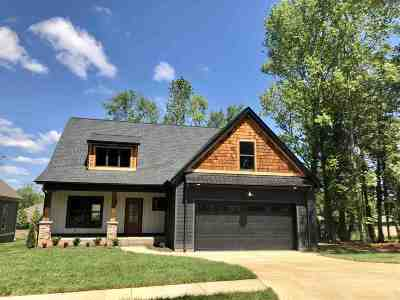 Single Family Home For Sale: 5028 Grove Park Court NE