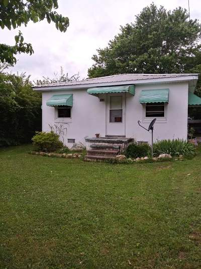 Madisonville Single Family Home Contingent: 304 Greenwood Circle
