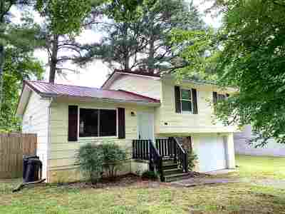 Cleveland Single Family Home Contingent: 1406 Teakwood Court SW