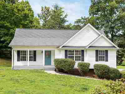 Single Family Home Contingent: 822 Deer Run Lane NW