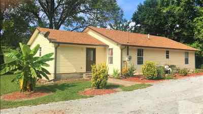 Single Family Home For Sale: 127 Monday Circle