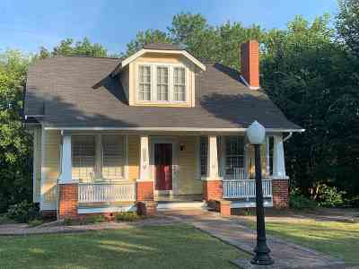 Single Family Home For Sale: 1873 Harle Avenue