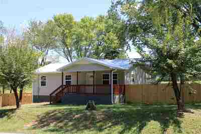 Etowah TN Single Family Home Contingent: $159,000