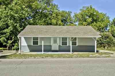 Englewood Single Family Home For Sale: 105 North Niota Road