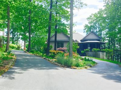 Single Family Home For Sale: 1824 Ridge Cliff Drive
