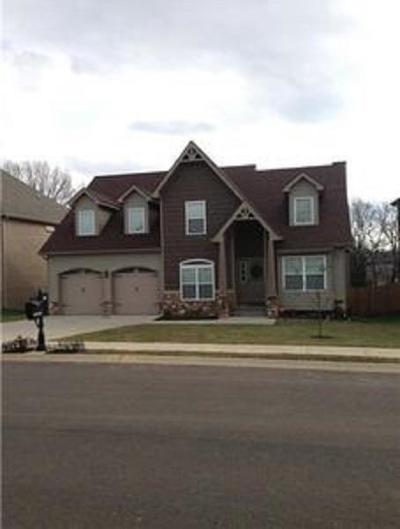 Clarksville Single Family Home For Sale: 2425 Senseney Dr