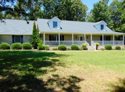 Burns Single Family Home For Sale: 3049 Hwy 70