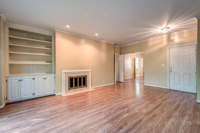 Nashville Condo/Townhouse For Sale: 233 Westchase Drive #233