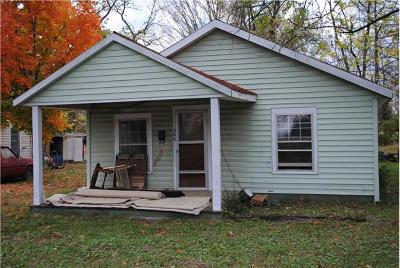 Single Family Home For Sale: 306 W Smith Street