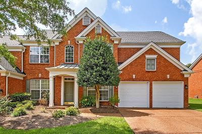 Franklin Condo/Townhouse For Sale: 409 Chatsworth Ct