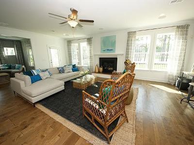 Hendersonville Single Family Home For Sale: 1039 Luxborough Dr