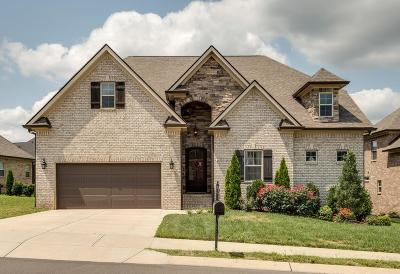 Spring Hill  Single Family Home Under Contract - Showing: 1003 Elkhorn Ct