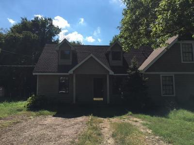 Nashville Single Family Home For Sale: 3139 E Lake Dr