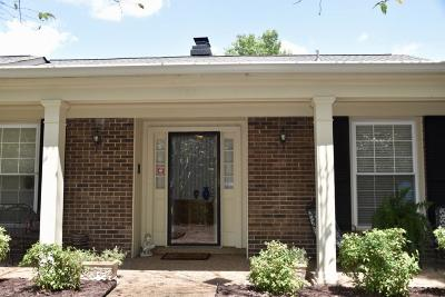 Franklin Condo/Townhouse For Sale: 202 Boxwood Dr #202