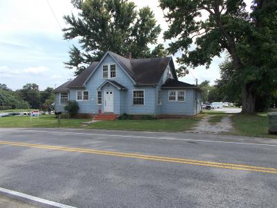 Lawrenceburg Single Family Home For Sale: 253 E Taylor St