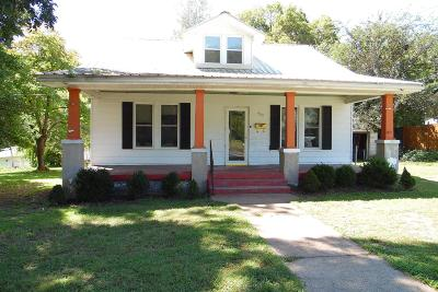 Single Family Home For Sale: 437 Crockett St