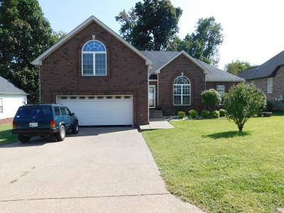 White House Single Family Home Under Contract - Showing: 108 E Winterberry Trl
