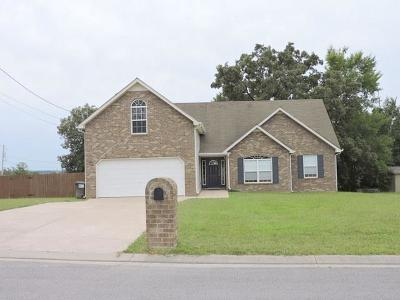 Lavergne Single Family Home Under Contract - Showing: 360 Clearlake Dr