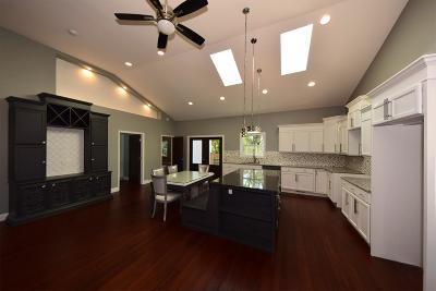 Madison Single Family Home For Sale: 644 Cheryl Avenue