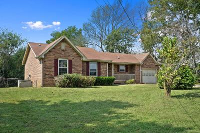 Christian County, Ky, Todd County, Ky, Montgomery County Single Family Home For Sale: 3428 Polly Dr
