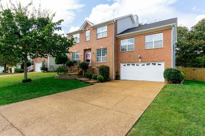 Mount Juliet Single Family Home Under Contract - Showing: 2914 Melbourne Ter