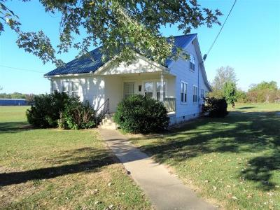Lawrenceburg Single Family Home For Sale: 1401 Mahr Ave