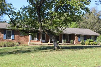 Sumner County Single Family Home For Sale: 109 Marseille Dr