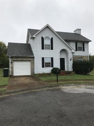 Old Hickory Single Family Home Under Contract - Showing: 4611 Conway Ct