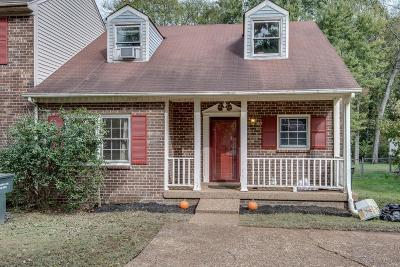 Nashville Single Family Home For Sale: 1423 Timber Valley Dr