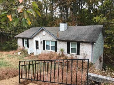 White House Single Family Home Under Contract - Showing: 1307 Winding Way Dr
