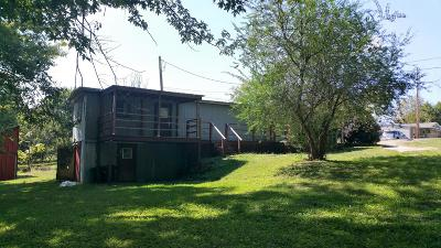 Portland Single Family Home For Sale: 265 N Centerpoint Rd
