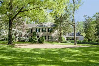 Belle Meade Single Family Home Under Contract - Showing: 4406 Harding Pl