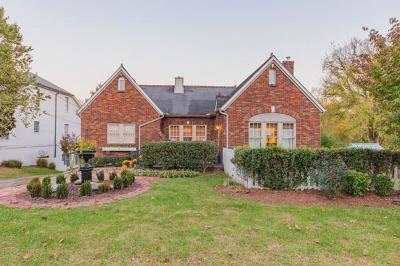 Nashville Single Family Home For Sale: 4304 Parkview Cir