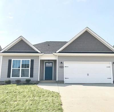 Christian County, Ky, Todd County, Ky, Montgomery County Single Family Home For Sale: 137 Magnolia Place