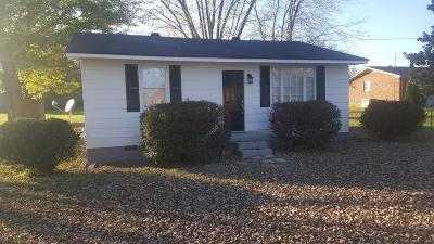 Portland Single Family Home For Sale: 202 Airport Rd